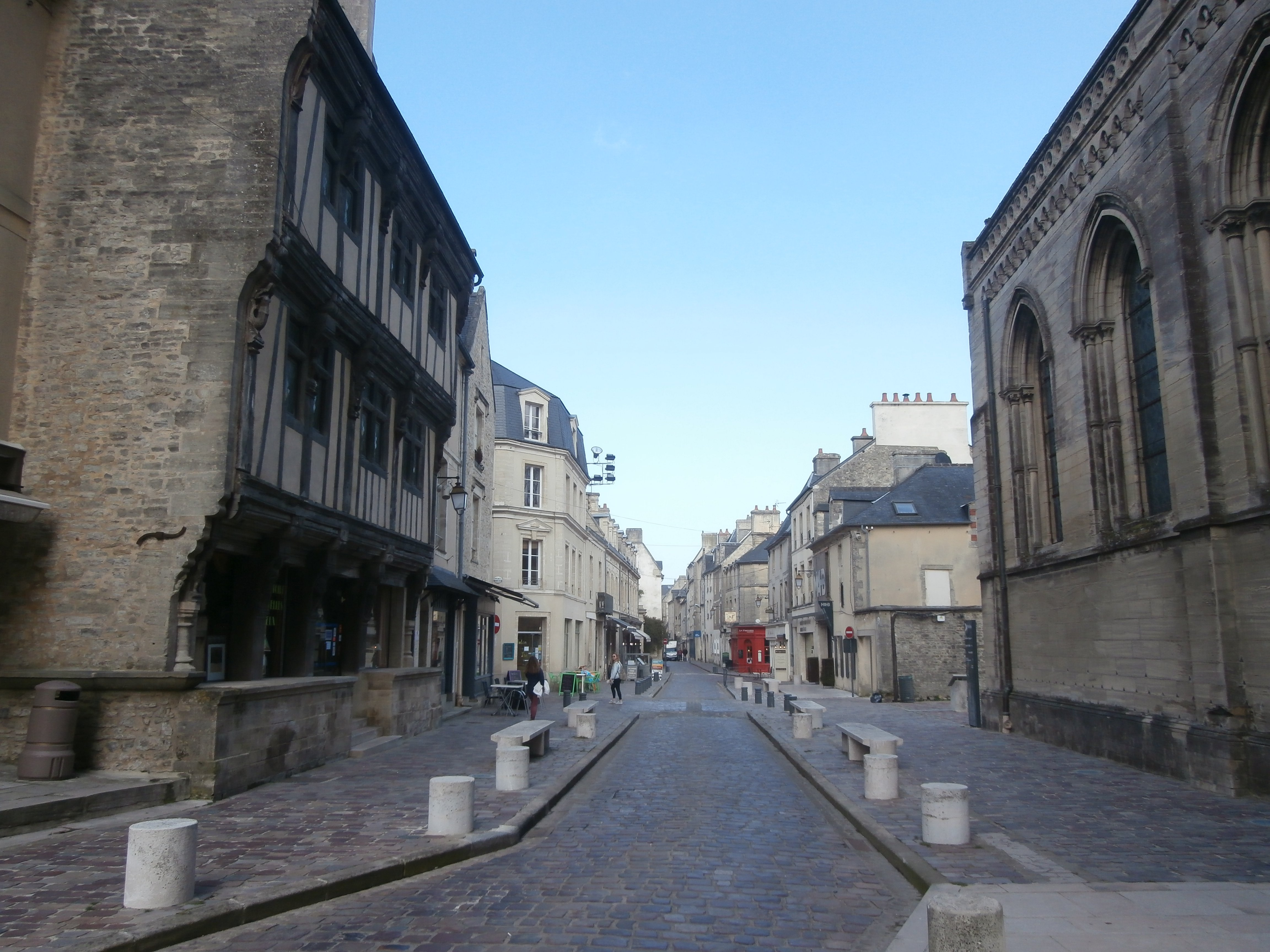 Bayeaux - opposite the cathedral