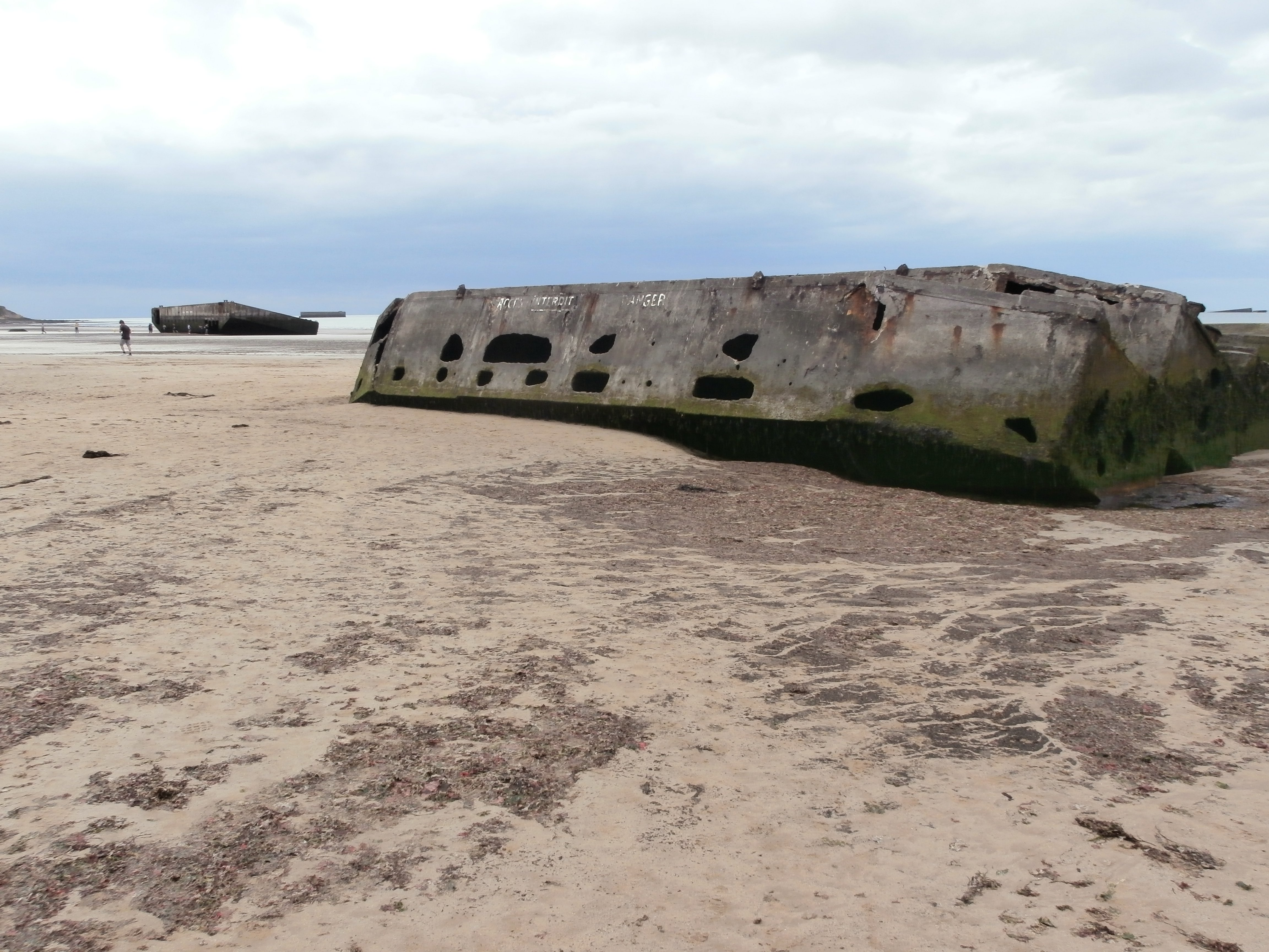 Mulberry harbour on Gold beach - Arromanche